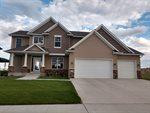 1804 SE Valley Bluffs Dr, Minot, ND 58701