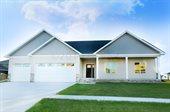 5925 Prairiewood Dr East, Grand Forks, ND 58201