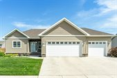 2302 43rd Ave S, Grand Forks, ND 58201