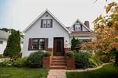 1017 Cottonwood St, Grand Forks, ND 58201