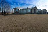 7150 Farmstead Drive, Grand Forks, ND 58201