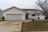 5273 9TH Avenue North, Grand Forks, ND 58203