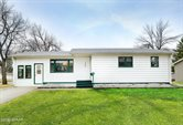 1218 S 18TH Street, Grand Forks, ND 58201