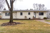 418 23rd Ave S, Grand Forks, ND 58201