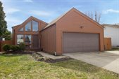 1121 Pacific Court, Worthington, OH 43085