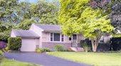 6715 Schreiner Street East, Worthington, OH 43085