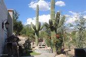 5942 North Vista Valverde, Tucson, AZ 85718