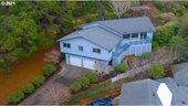 1037 Canyon Tr, Coos Bay, OR 97420