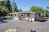2550 Woodland Dr, Coos Bay, OR 97420