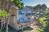 1130 SW Pine Ave, Depoe Bay, OR 97341