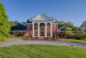 8566 River Club Way, Knoxville, TN 37922