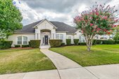 9208 Cliffside Drive, Grand Prairie, TX 75104