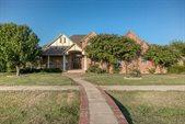 811 Mallard Pointe Drive, Grand Prairie, TX 75104
