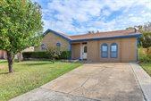 2306 Quail Hollow Drive, Grand Prairie, TX 75051