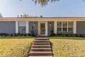 2221 Ravenwood Drive, Grand Prairie, TX 75050