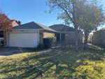 829 Country Club Place, Grand Prairie, TX 75052