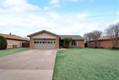 521 Royal Valley Road, Grand Prairie, TX 75052