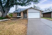 325 East Springdale Lane, Grand Prairie, TX 75052