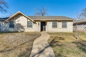 750 Teal Drive, Grand Prairie, TX 75052