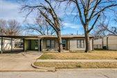 925 Shawnee Trace, Grand Prairie, TX 75051