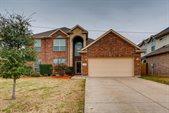 5824 Summerwood Drive, Grand Prairie, TX 75052
