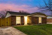 510 Damon Drive, Grand Prairie, TX 75052