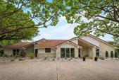 3009 Creekview Drive, Grapevine, TX 76051