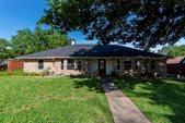3702 Ridgewood Drive, Grand Prairie, TX 75052