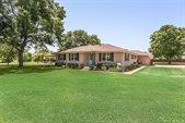 5402 South Robinson Road, Grand Prairie, TX 75052
