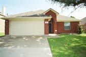 1216 Lake Forest Drive, Grand Prairie, TX 75052