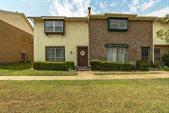 12 East Mountain Lane, Grand Prairie, TX 75052
