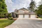 8106 Southridge Drive, Rothschild, WI 54474