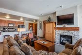 100 Canyon Blvd #3420, Mammoth Lakes, CA 93546