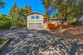 5080 Carriage Lane, Santa Rosa, CA 95403