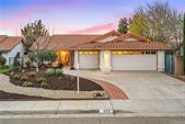 933 Torrey Pines Drive, Paso Robles, CA 93446